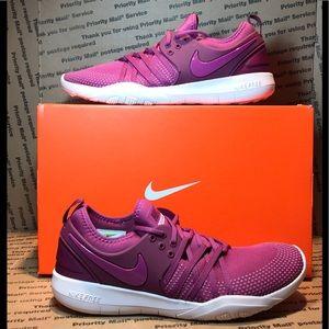 **NIB** Nike Free TR7 Berry Color Size 11